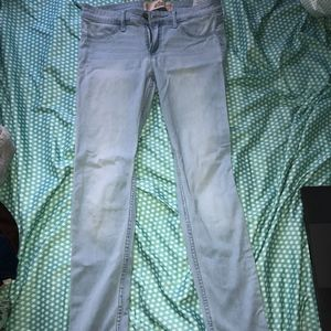 Hollister Low-Rise Light Wash Jeggings Size 3S
